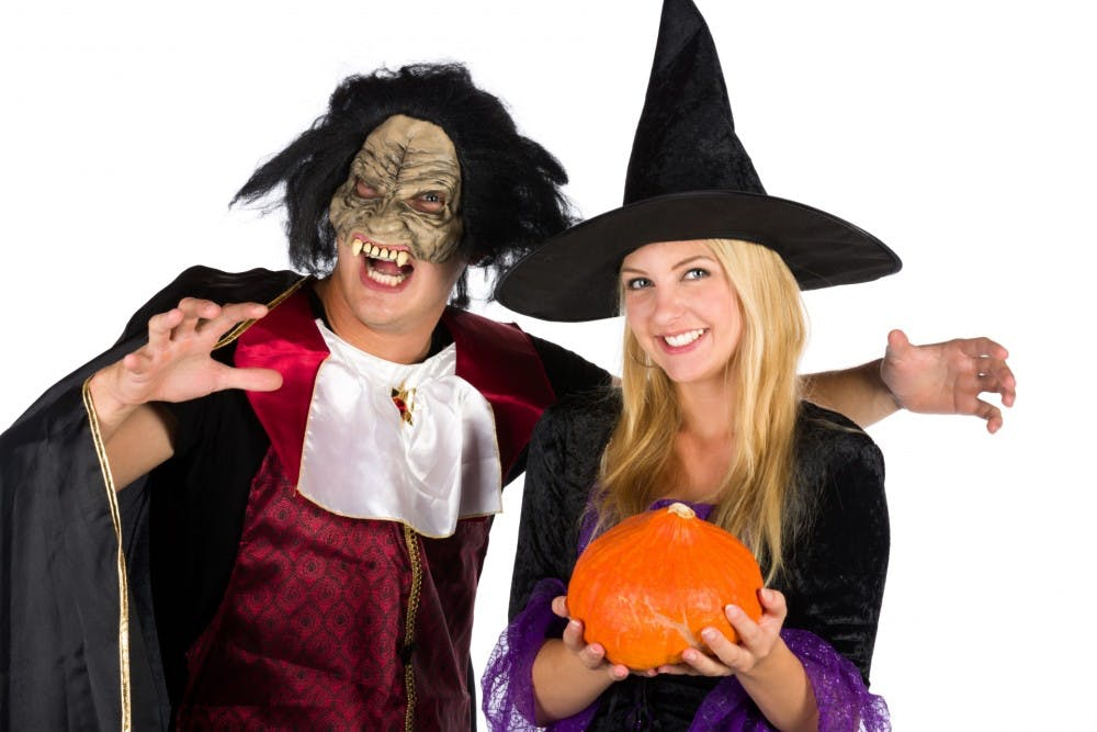 halloweencouple147738090565l
