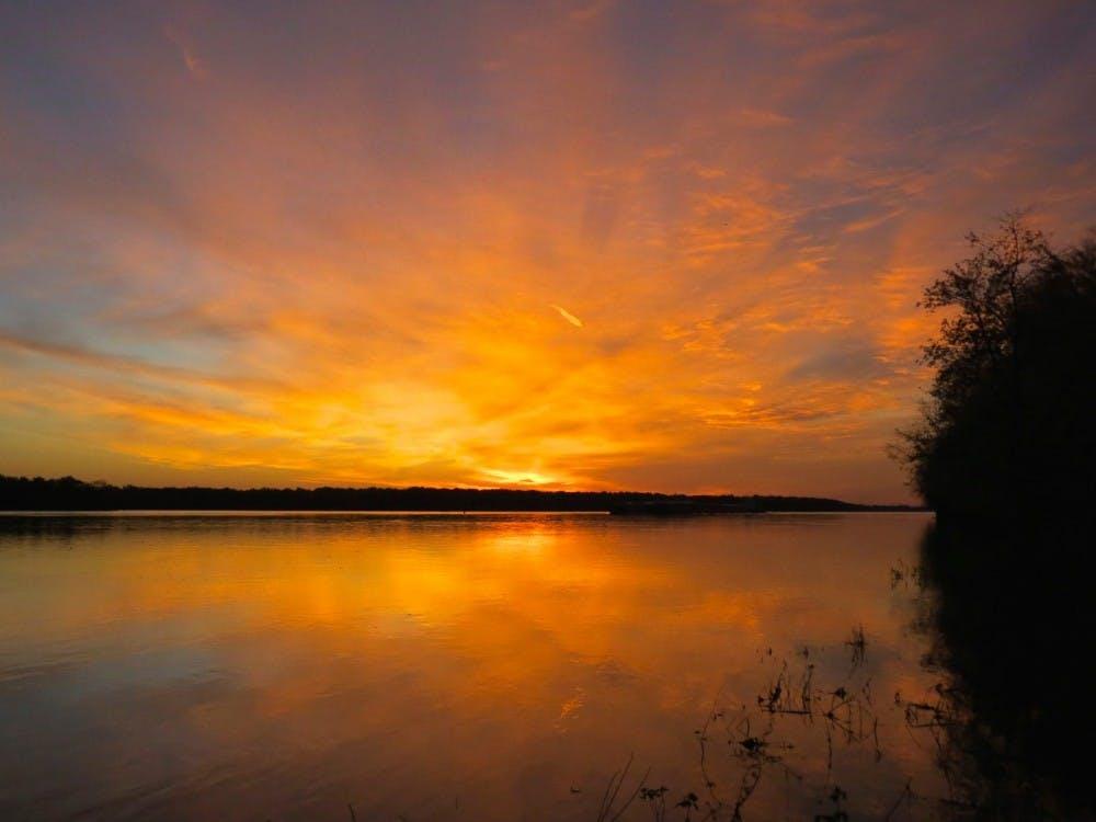 mississippi-river-sunrise-30213605624