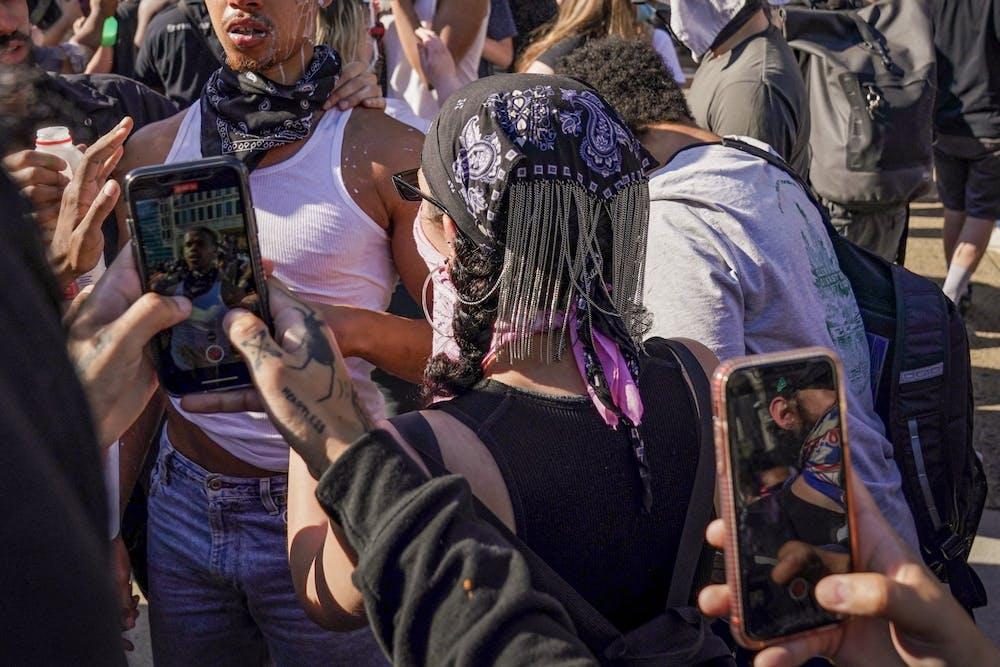 philadelphia-george-floyd-protests-milk-mace-iphone-recording