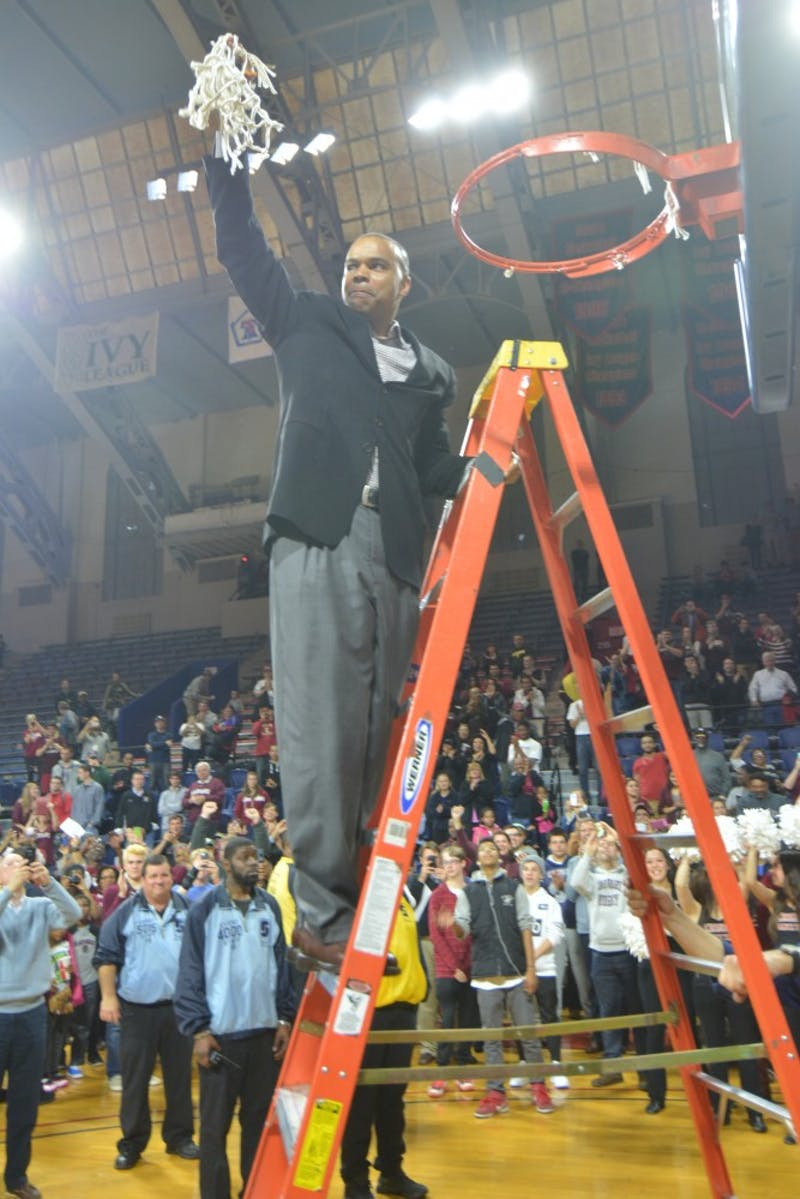 Harvard beats Yale in Ivy League playoff at the Palestra