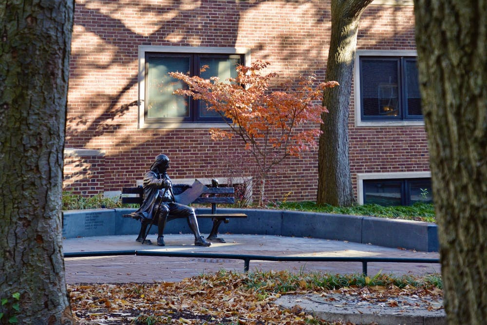 benjamin-franklin-bench-fall