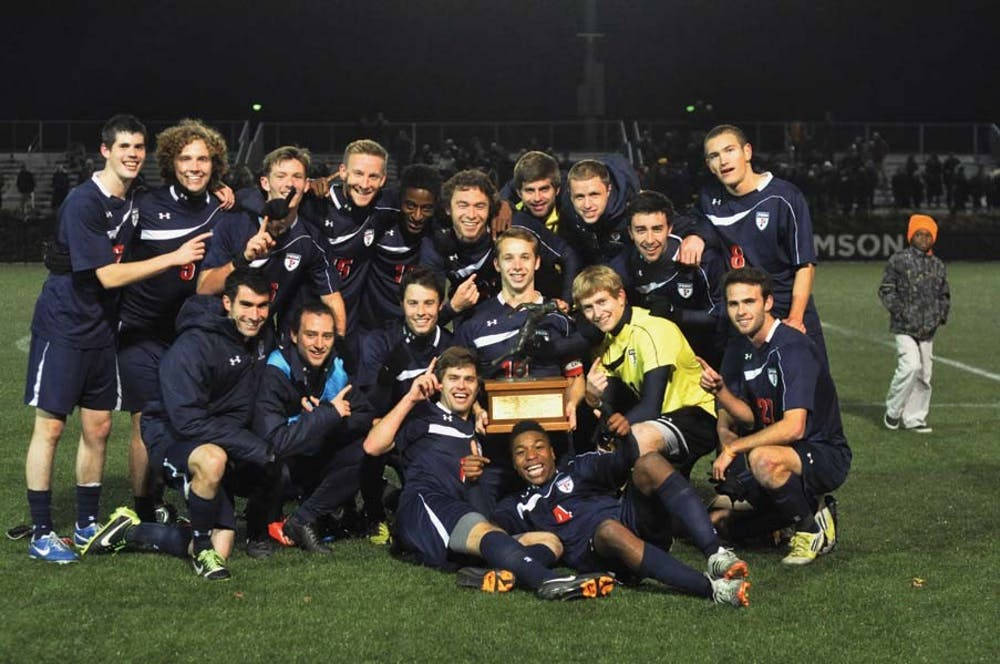 2013_soccer_ivy_champions_1