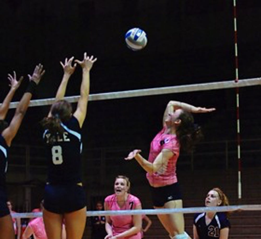 111408_womens_volleyball_yale044