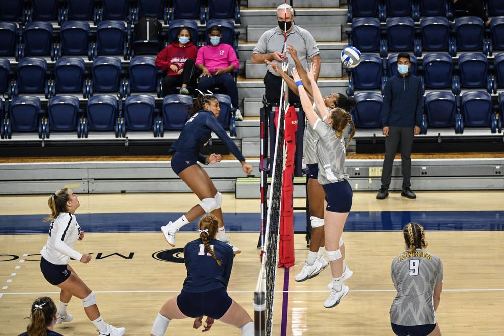 09-04-21-womens-volleyball-vs-canisius-autumn-leak-kylie-cooper