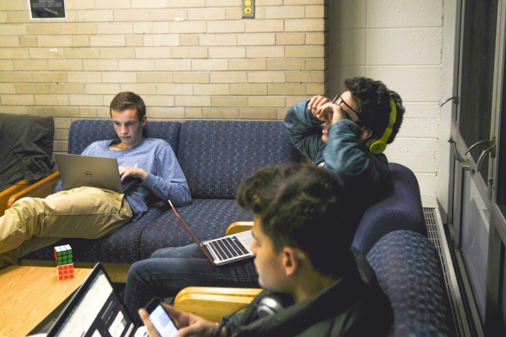 finals-students-stress-caps