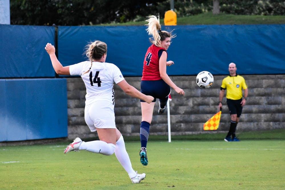 9-14-2021-womens-soccer-mia-shenk-samantha-turner