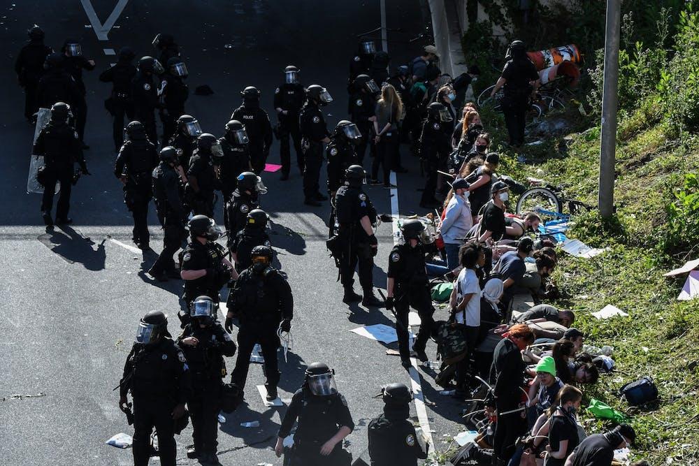 06-01-20-philadelphia-george-floyd-protest-highway-i676-police-arrests