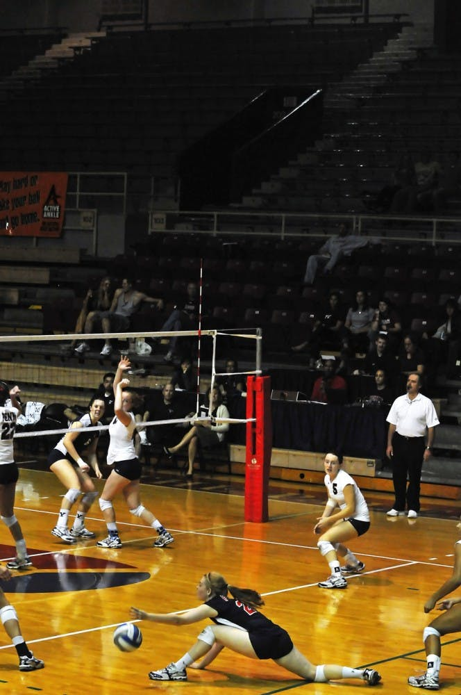 10082010_volleyball_yale0023