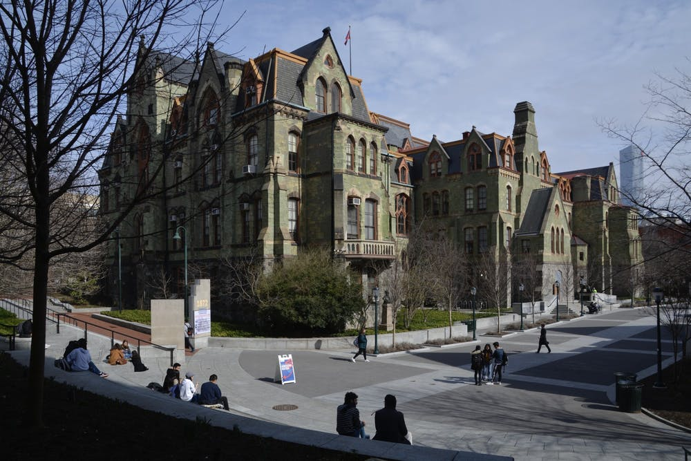 college-hall-perelman-quadrangle-penn-commons