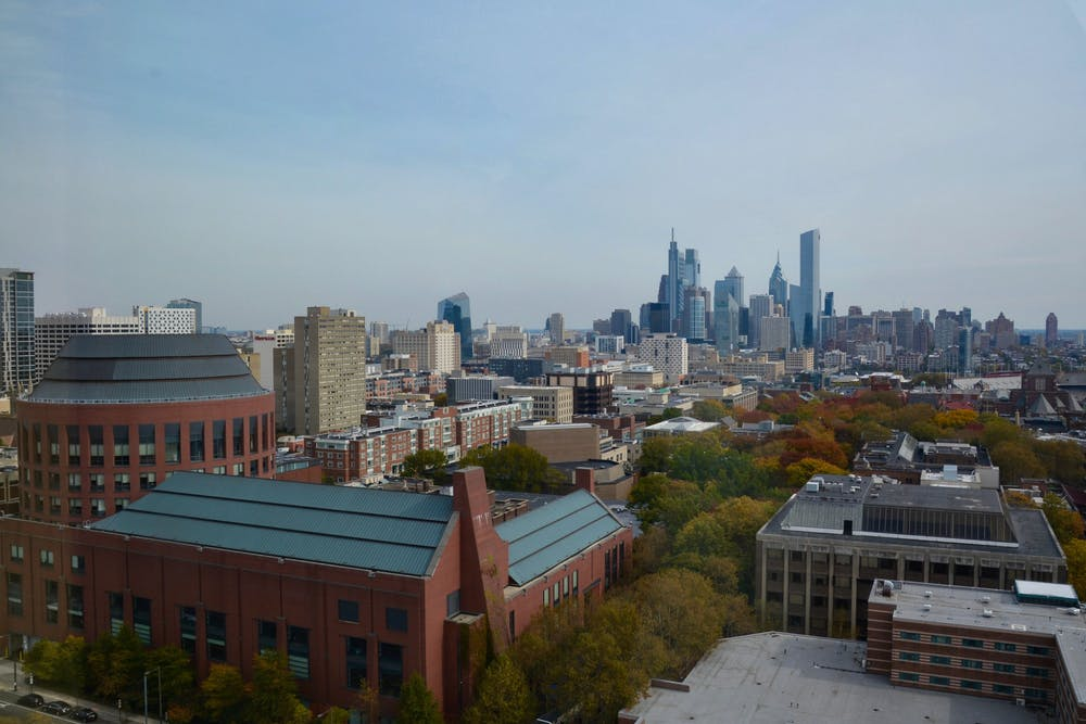 fall-campus-huntsman-hall-philadelphia-philly-skyline
