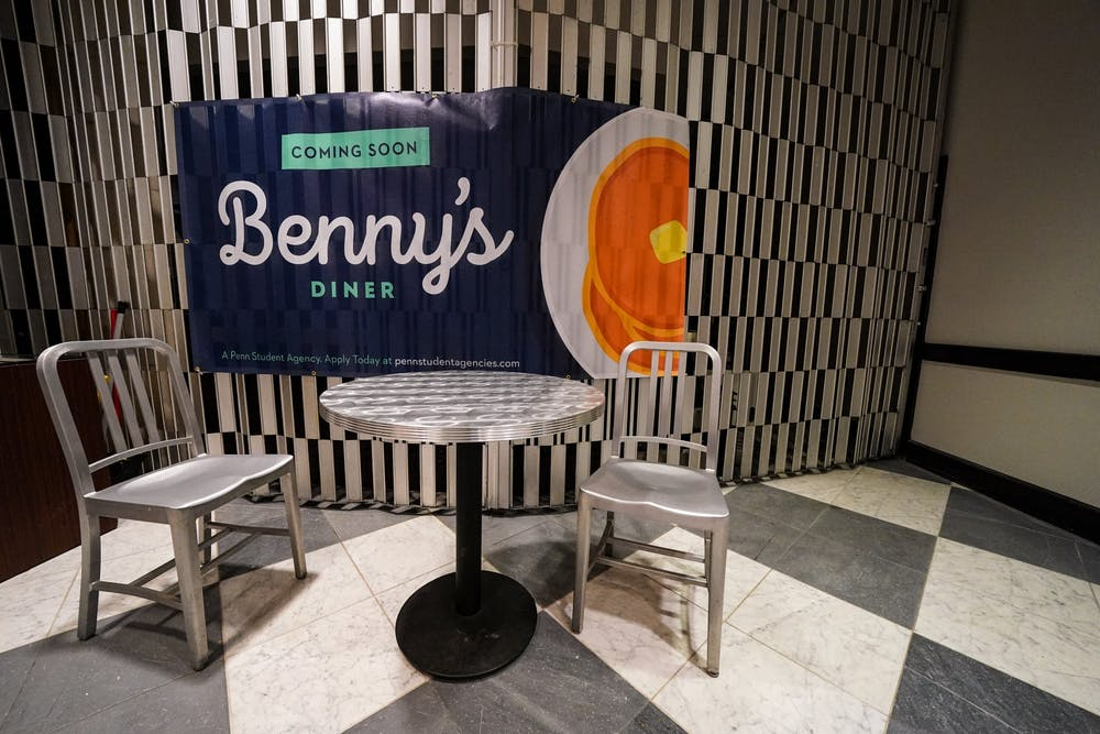 bennys-diner-sign-and-table