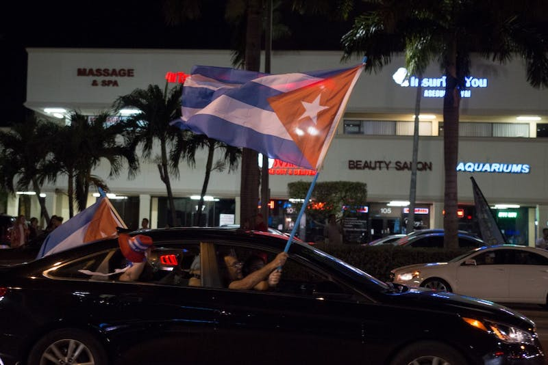 Photo Gallery | Fidel Dies, Miami Reacts