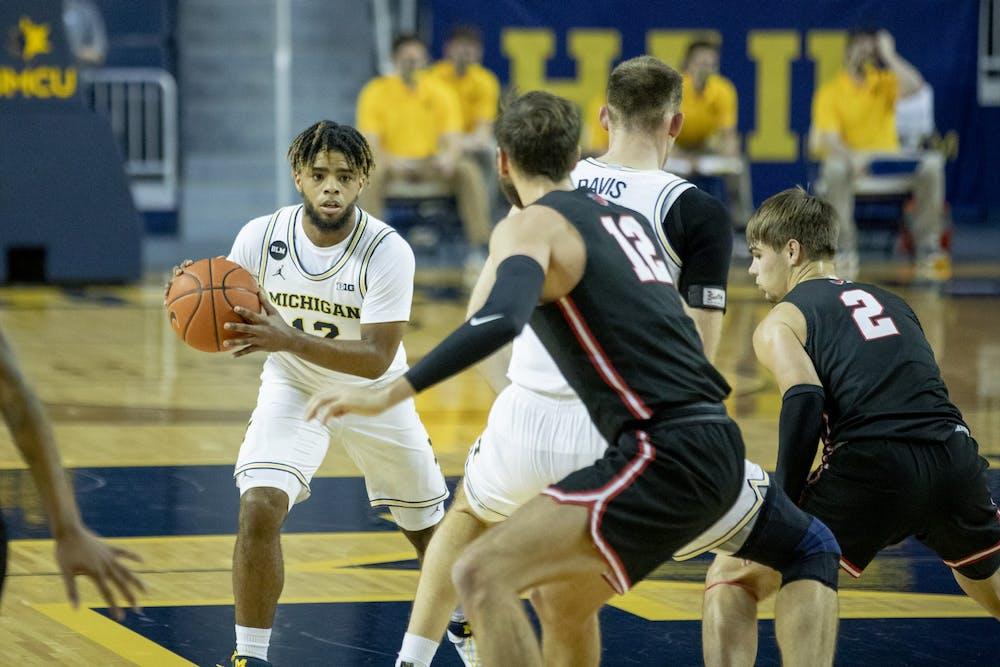 12-2-2020-michigan-mens-basketball-mike-smith-marc-gregor-campredon