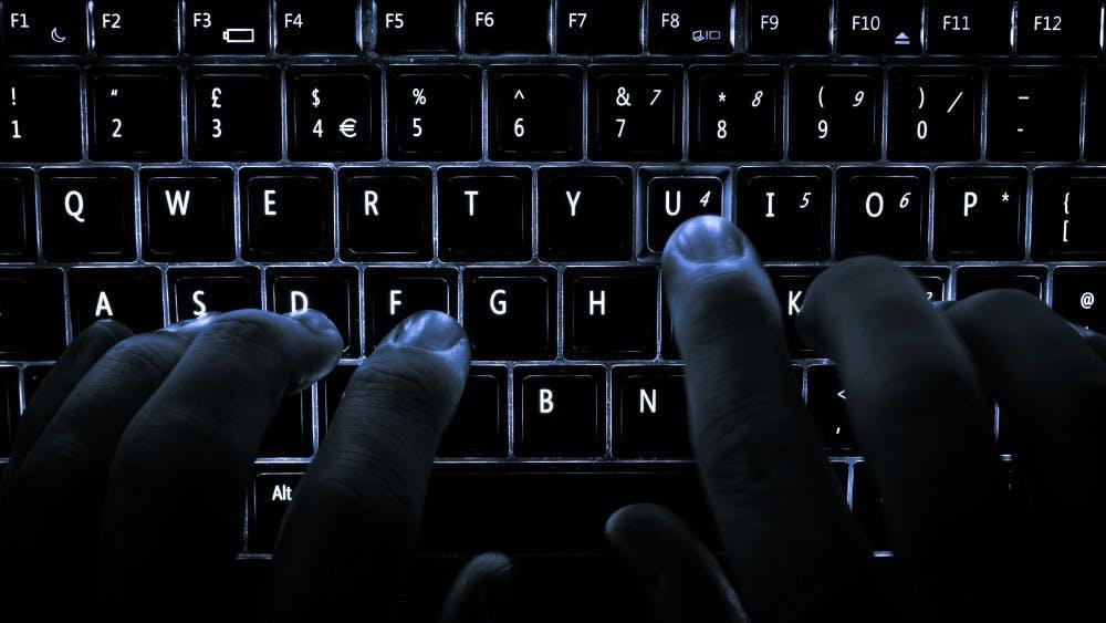 ashley_madison_hacking
