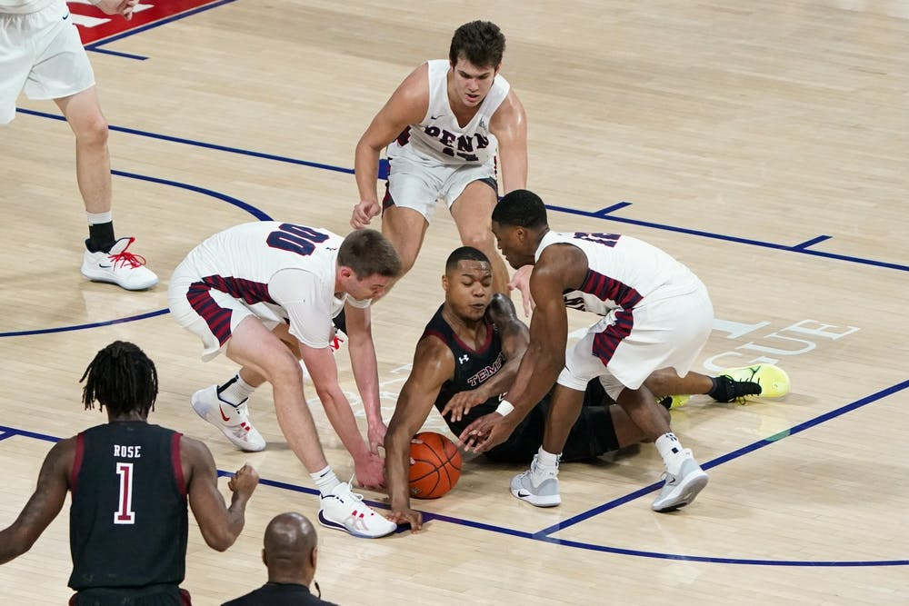 mbb-temple-team-defense-loose-ball