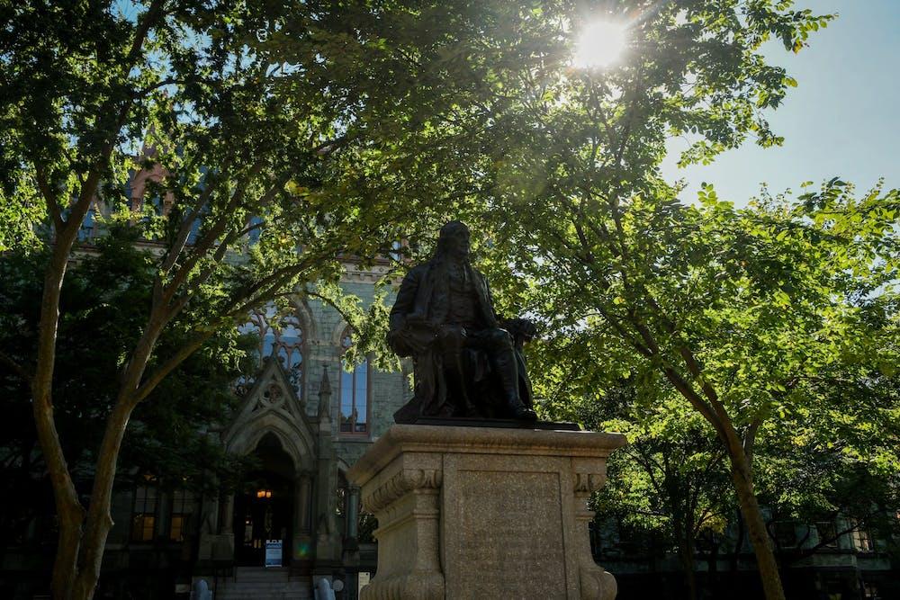 benjamin-ben-franklin-statue-college-hall-college-green