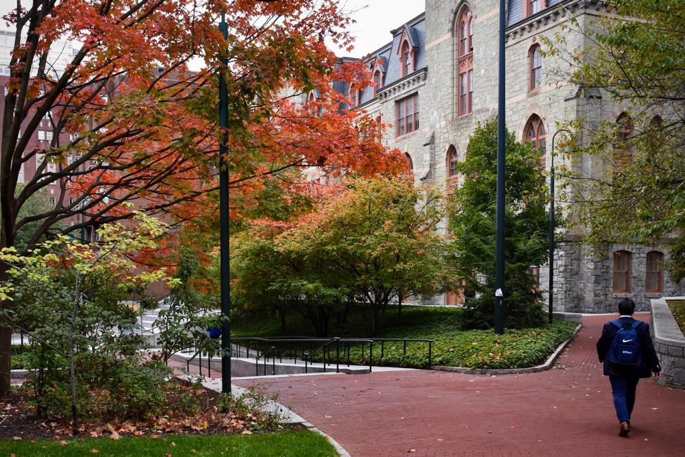 fall-campus-claudia-cohen-hall-new