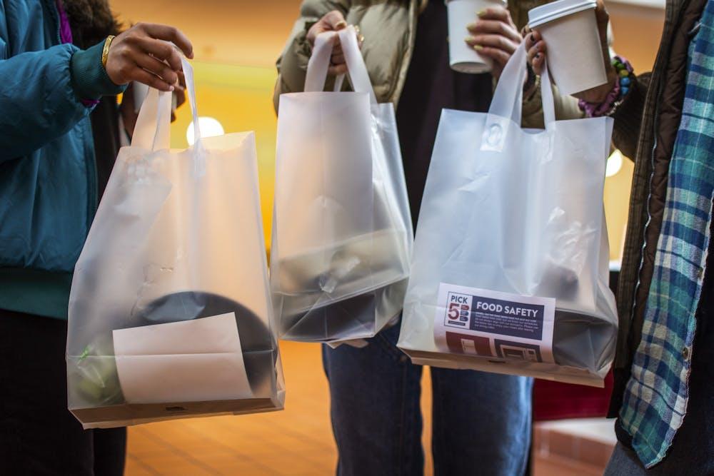 01-13-21-hill-plastic-bag-max-mester