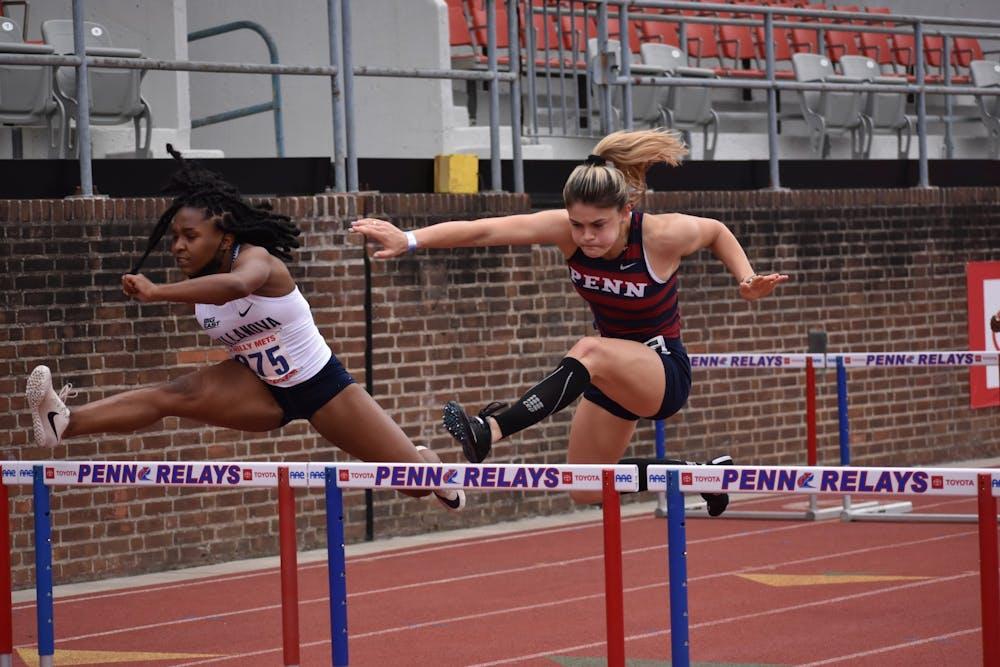 4-24-2021-womens-track-hurdles-grace-oshea-samantha-turner