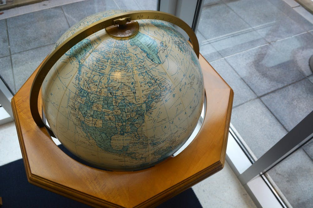 studyabroad-globe
