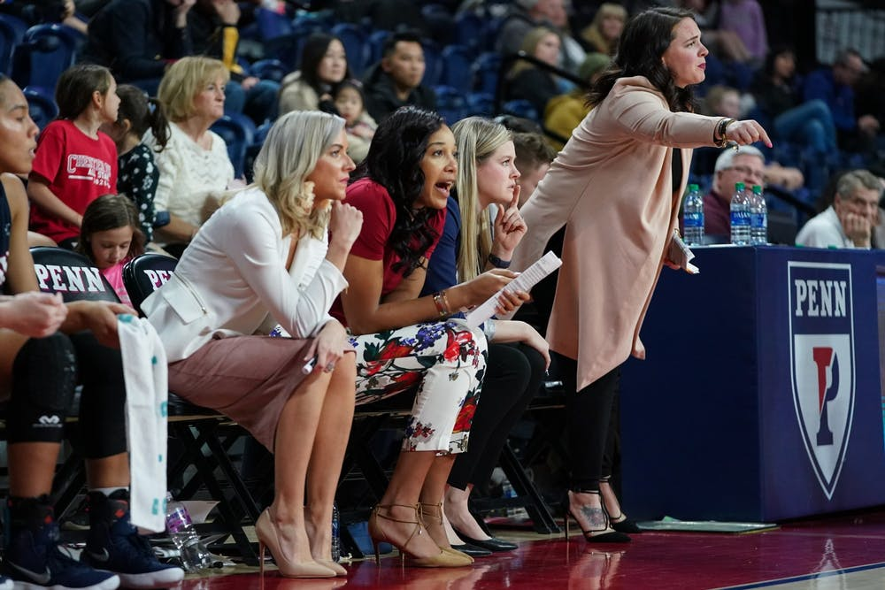 wbb-assistant-coaches-bench