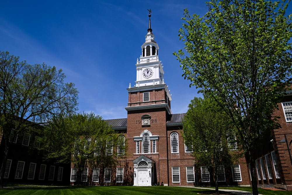 dartmouth-college-campus-baker-berry-library