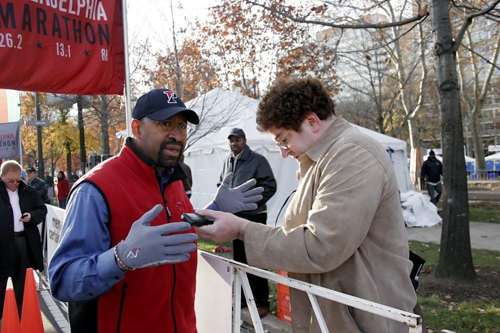 david_block_interviewing_mayor_nutter_philadelphia_marathon_2010