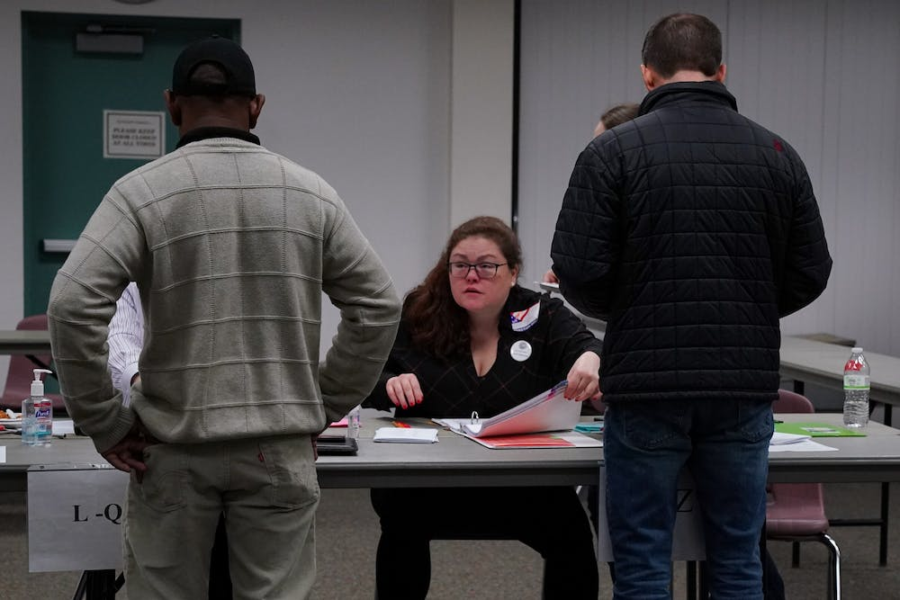 new-hampshire-primary-election-voting-poll-workers