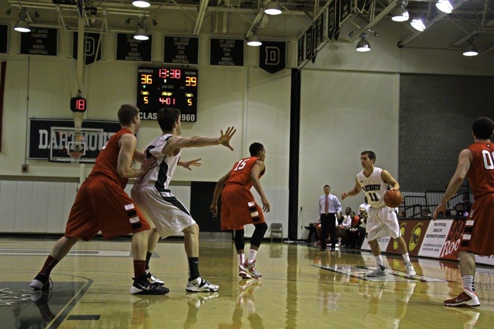 01-16-15-sports-mens-basketball-horiz-kelsey-kittelsen