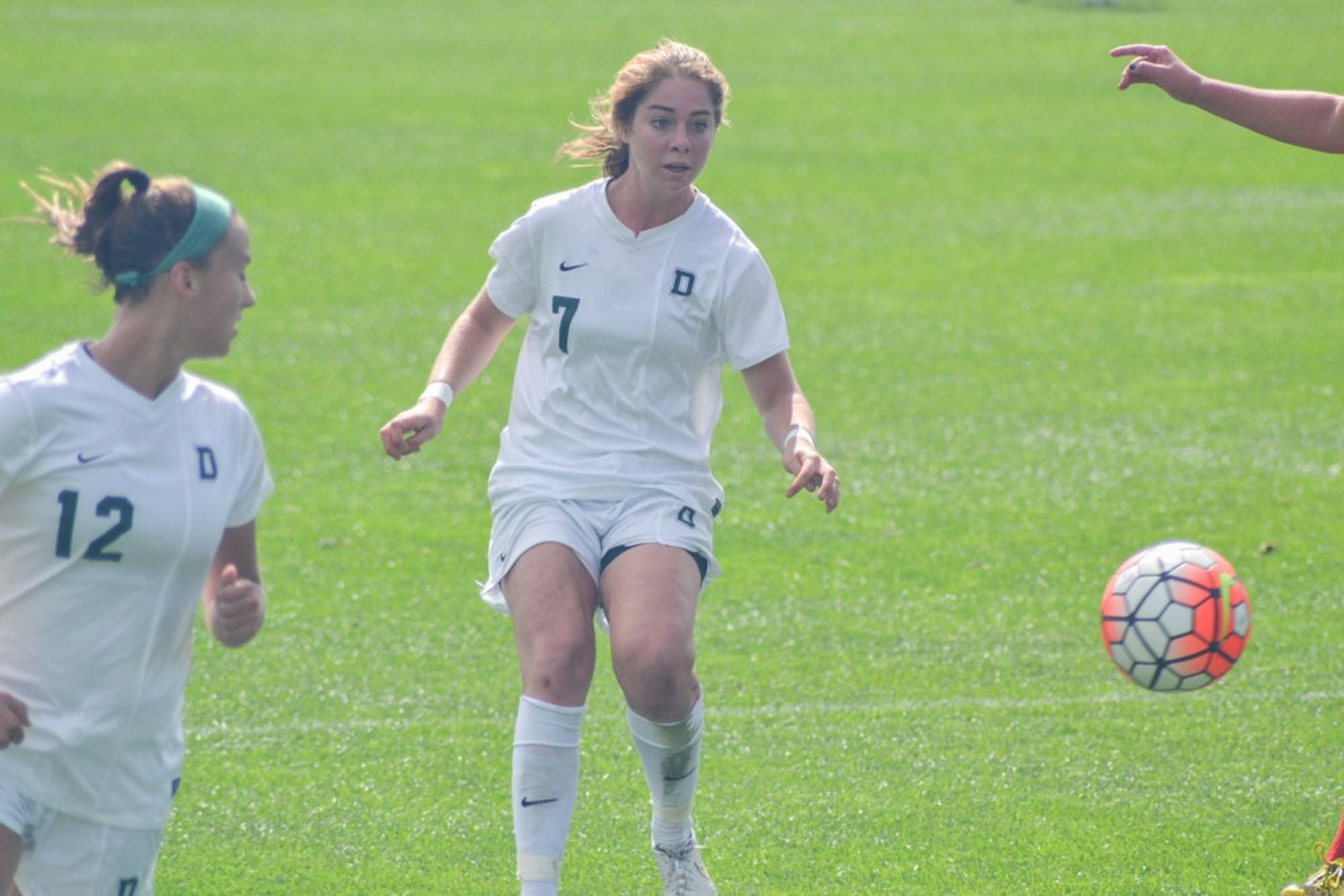 10-5-15-sports-womenssoccer2-elizamcdonough
