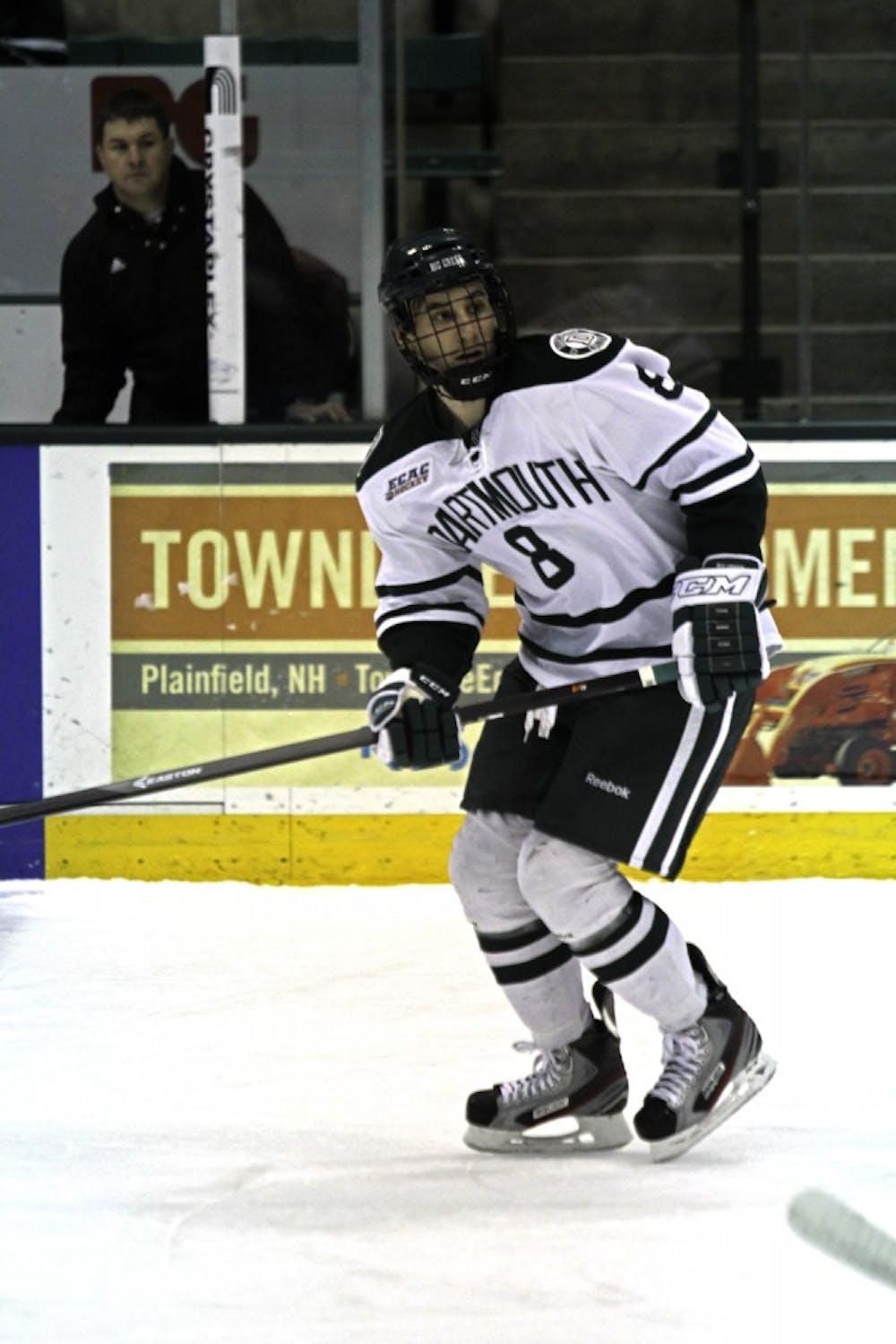 11-11-14-sports-mens-hockey-kelsey-kittelsen