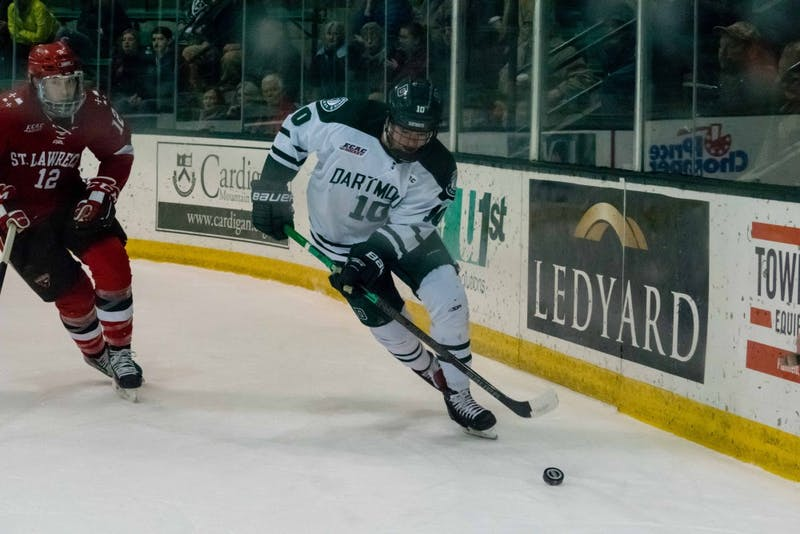 Forward Shane Sellar '21 took control of the puck during the Big Green's 4-1 win against St. Lawrence University.