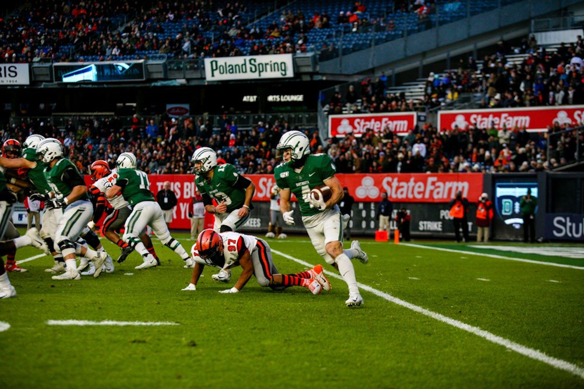 11-11-19-football5-samhysa