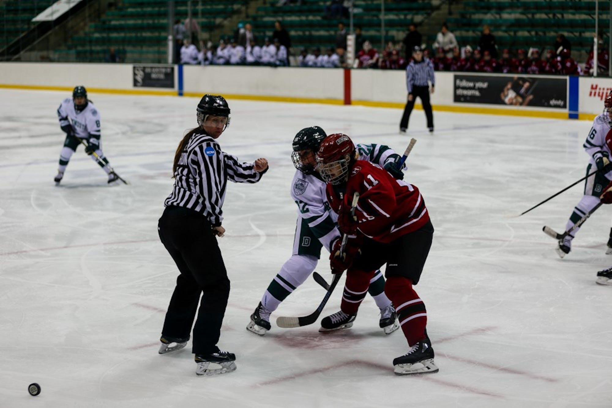 10-28-19-sports-womenhockey1-elsaericksen