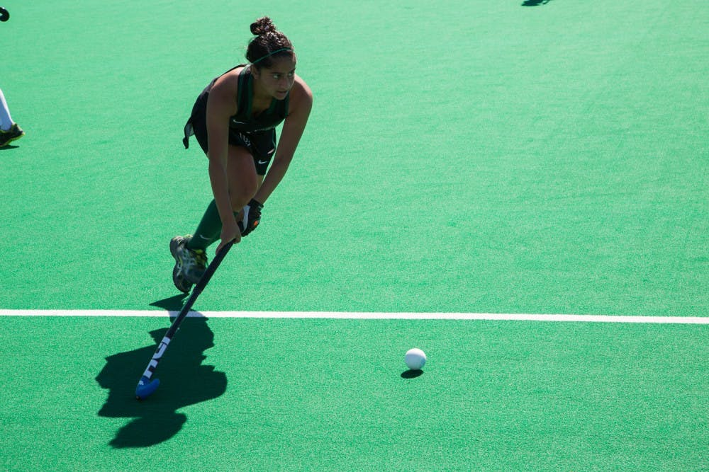9-28-25-sports-fieldhockey2-weija-tang