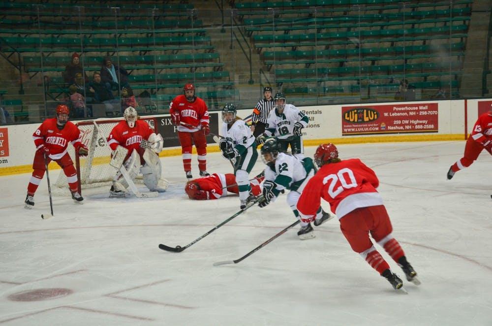 womenshockey1-seamore-zhu-5-9-16