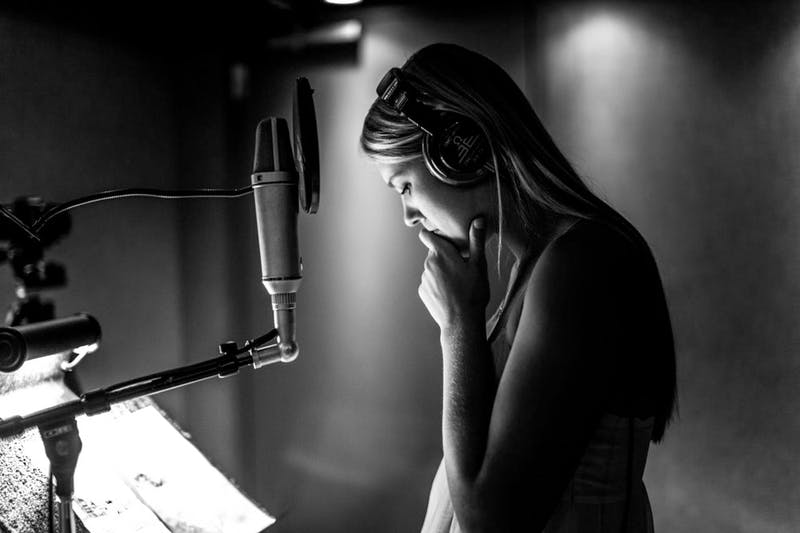 """Sara Lindquist '18 began recording her six-track EP ,""""It's A Good Day for a Good Day,"""" duringher senior year of high school."""