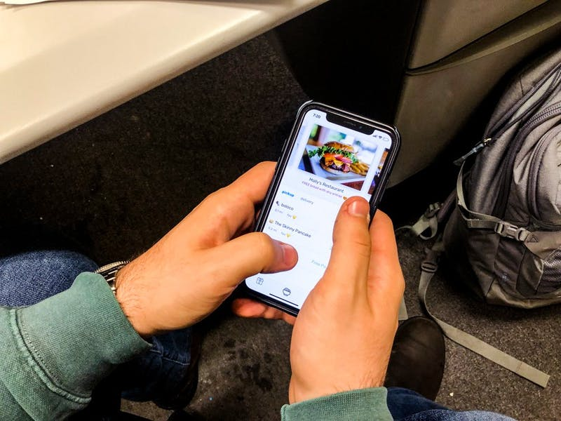 Snackpass allows customers to purchase to-go orders from local restaurants.