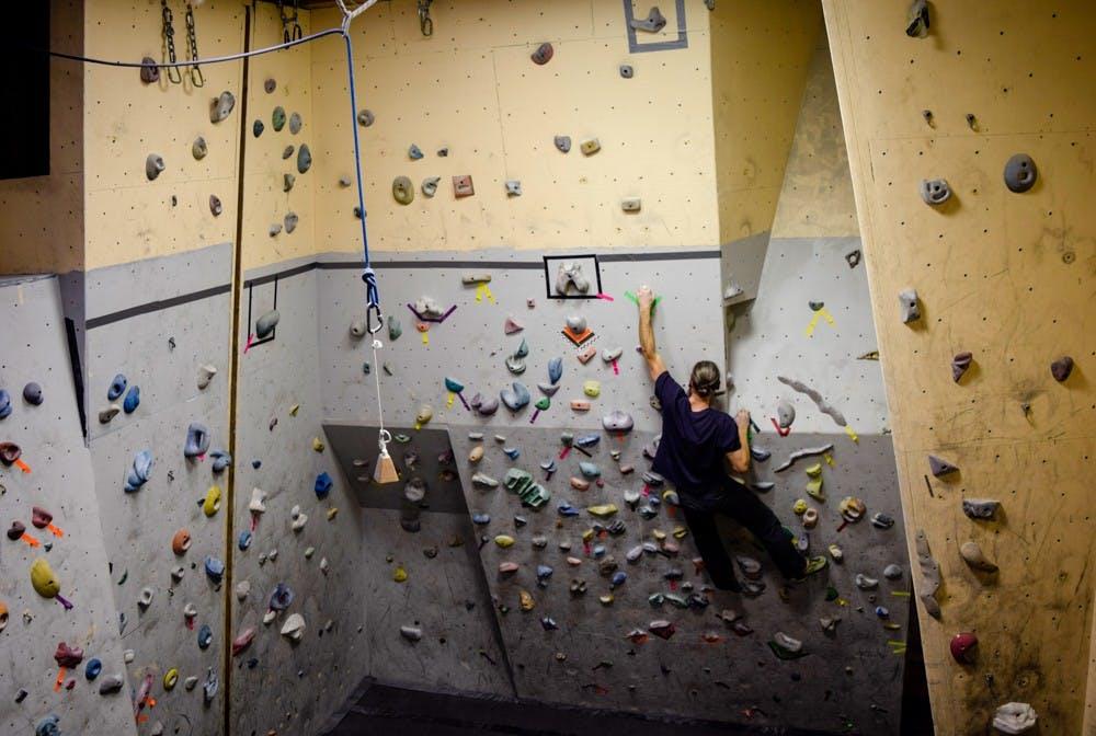 1-8-20-mirror-climbinggym-laurenkim