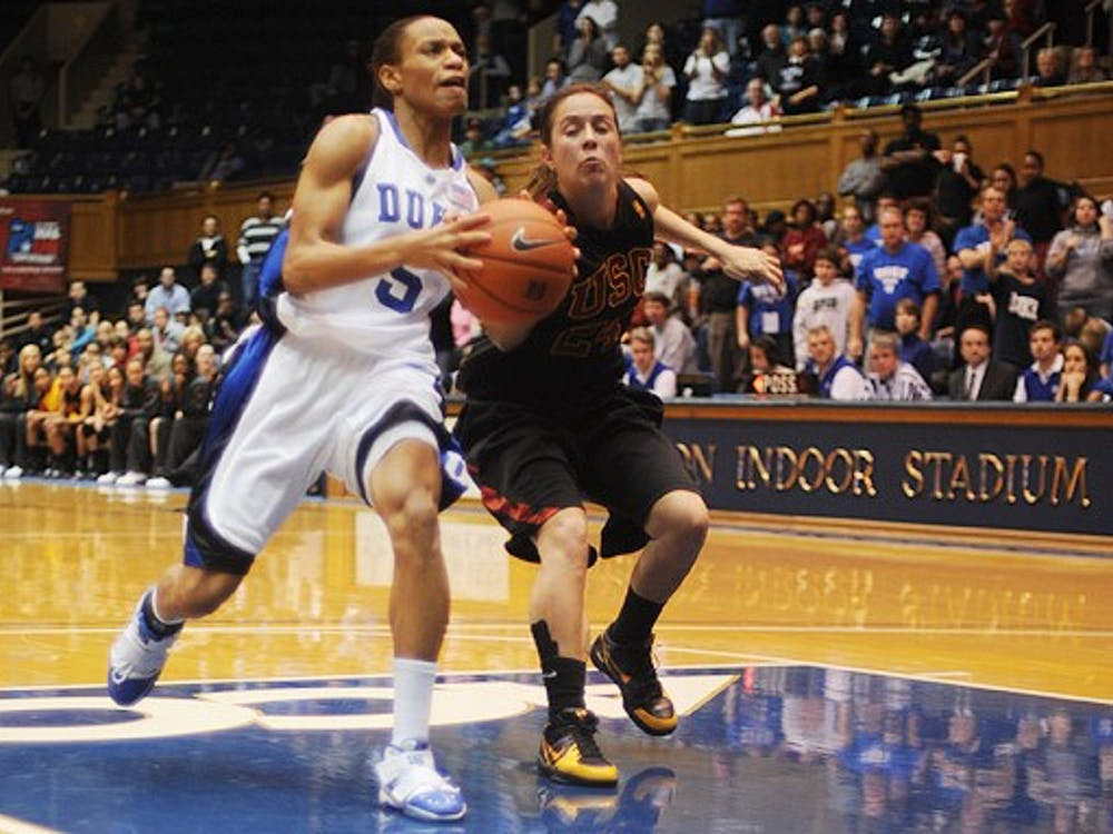 Jasmine Thomas had another big offensive outing for the Blue Devils, scoring 28 points in Duke's 78-72 win.