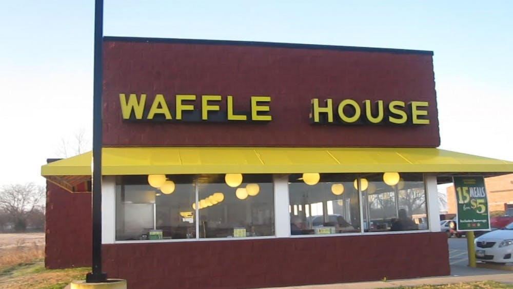 <p>A new Waffle House will replace Charlie's Pub & Grille on Ninth Street.&nbsp;</p>