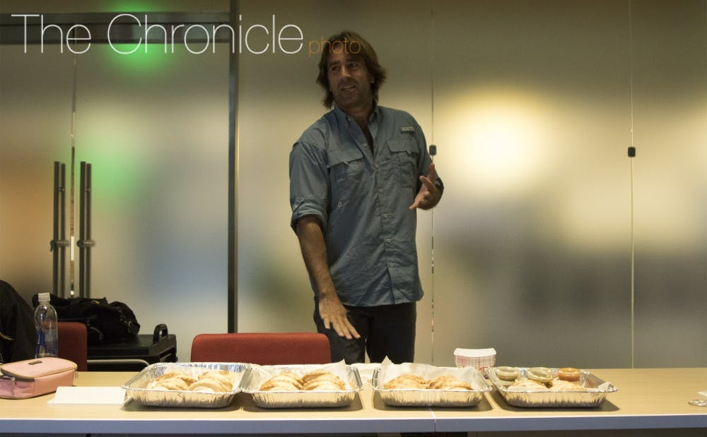 <p>Hernan Moyano&mdash;one of Makus Empanadas'&nbsp;owners&mdash;said he would rather his restaurant have a physical location on campus than be&nbsp;an MOP vendor.</p>