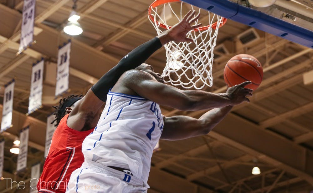 <p>Zion Williamson and the Blue Devils still trail Tennessee in the AP Top 25.</p>