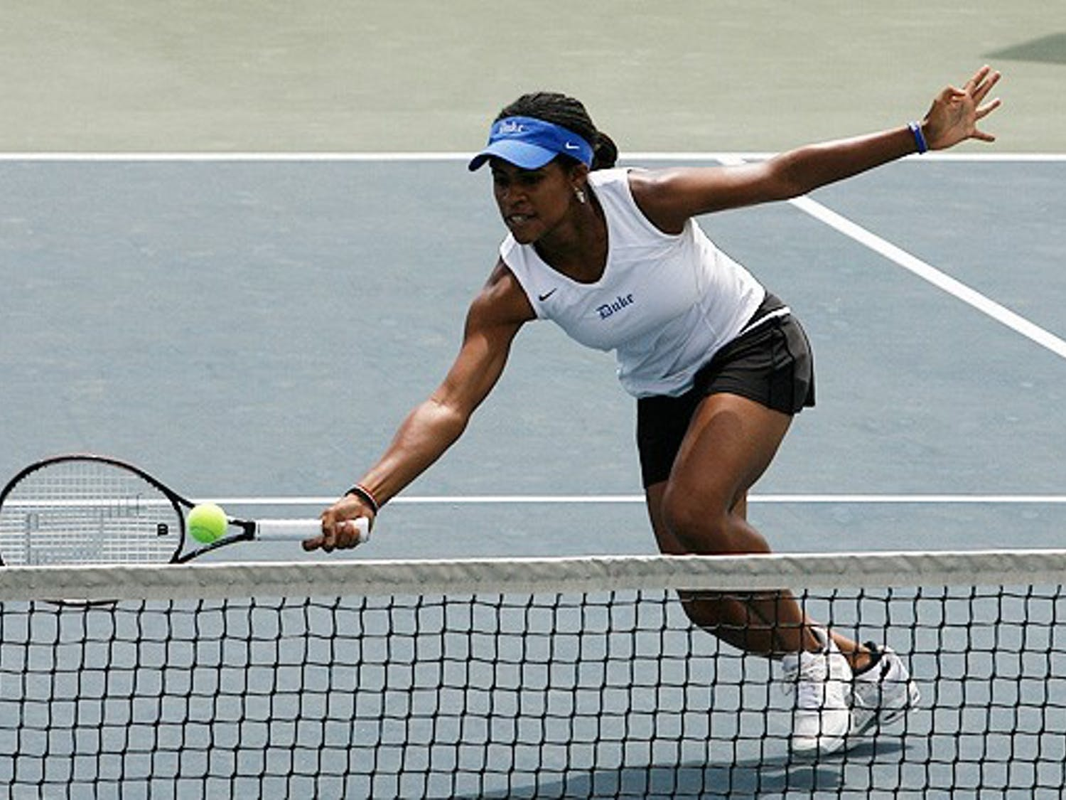 Junior Ellah Nze, along with senior Amanda Granson, lost her doubles match and fell in straight sets to Florida State's Lauren McCreless in singles.