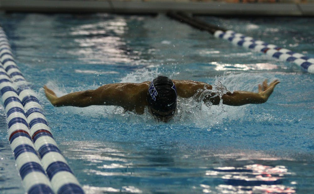 The Blue Devils notched six individual wins this weekend at the Carolina College Invitational.