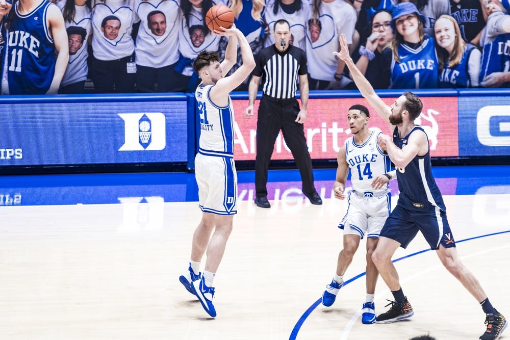 <p>Matthew Hurt continued his offensive barrage in the first half Saturday, but Louisville holds the edge.</p>