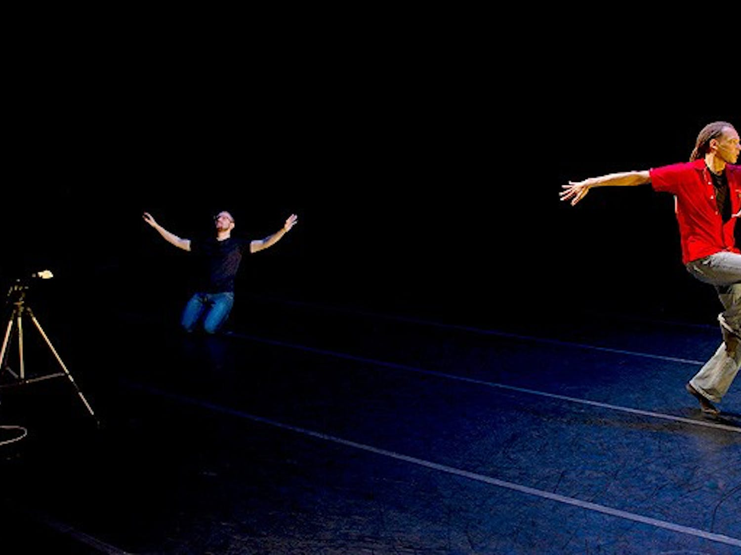 Kenneth Stewart uses an Xbox Kinect to narrate a dance by Thomas DeFrantz on an Xbox Kinect.