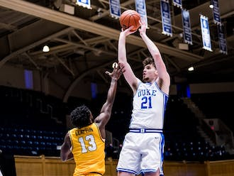 Matthew Hurt will need to continue his strong start to the season Tuesday if Duke hopes to stay competitive against Illinois.