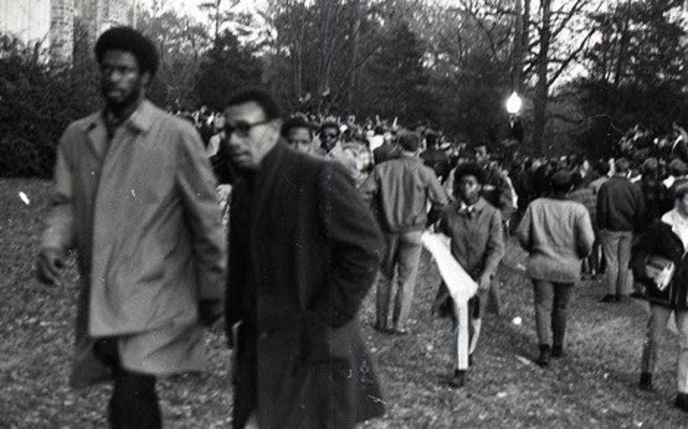 Howard Fuller and Ben Ruffin on the day of the Allen Building Takeover. Courtesy of Duke Online Exhibit.