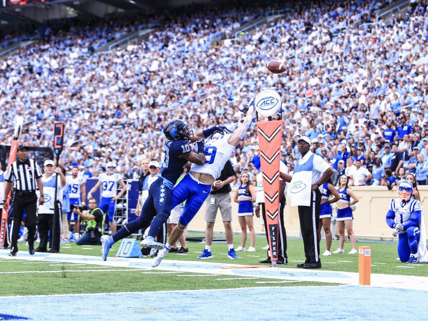 Senior wide receiver Jake Bobo spoke earlier this week about how the intensity of the crowd noise Saturday at Kenan Memoral Stadium impacts the offense.